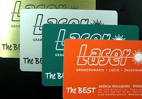 karty z oznakowaniem